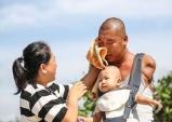 중국 대륙을 감동시킨 '팔 없는 아빠'의 이야기