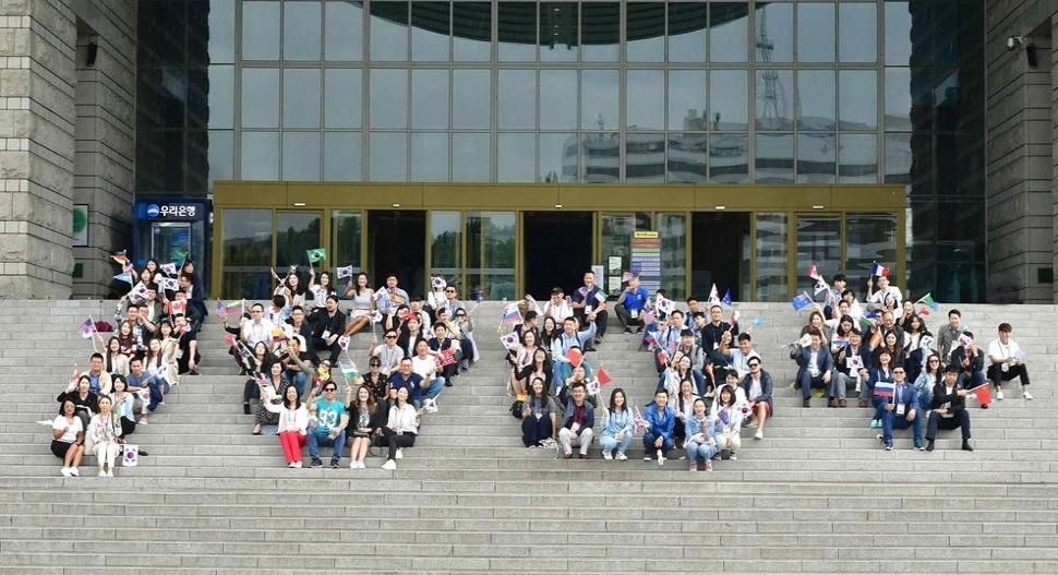 한인 차세대, 전쟁기념관 100+ 대형 퍼포먼스